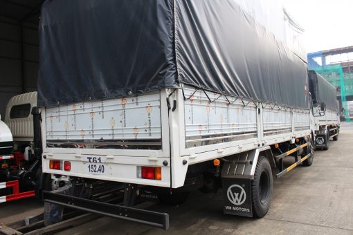 Xe tải thùng mui bạt Isuzu FN129 2