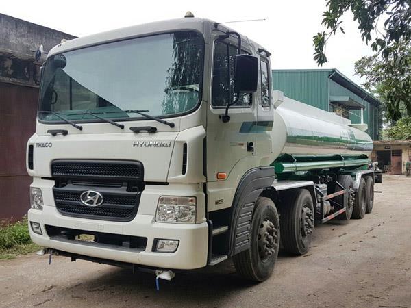 xe phun nước rửa đường huyndai hd320