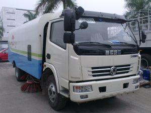 Xe quét đường hút bụi dongfeng 5 khối nhập khẩu