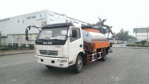 Xe phun rải nhựa đường Dongfeng 4,2 khối nhập khẩu