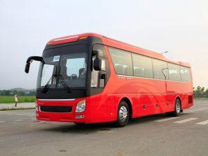 xe ô tô khách UNIVERSE K47S động cơ YUCHAI