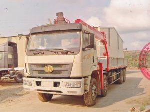 Xe tải gắn cẩu ATOM 12 tấn Faw
