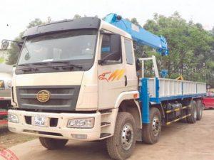 xe tải gắn cẩu DONGYANG 7 tấn Faw