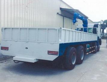xe tải gắn cẩu Tadano 5 tấn JAC