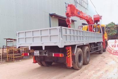 xe tải gắn cẩu kanglim 10 tấn dongfeng