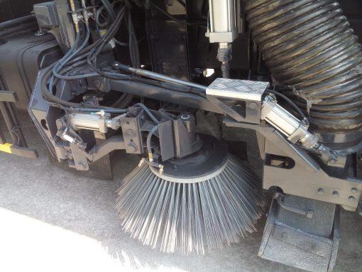 xe quét đường hút bụi 6 khối Hino FG 1