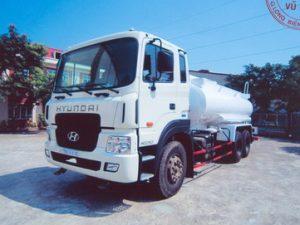 xe phun nước rửa đường 12 khối HYUNDAI