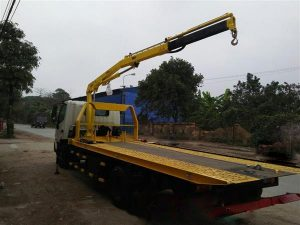 xe cứu hộ giao thông Hino Xzu720 gắn cẩu gập HYVA