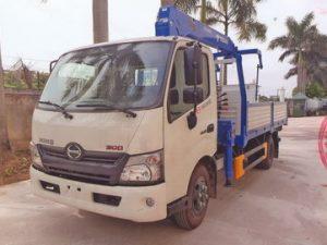 xe tải gắn cẩu3 tấn Tadano trên nền xe tải Hino Xzu720
