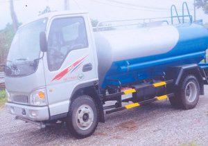 xe phun nước rửa đường 5 khối JAC HFC1048K