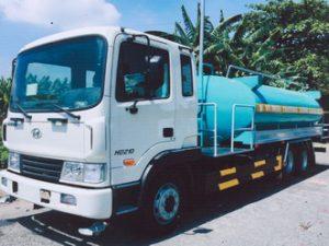 xe phun nước rửa đường 12 khối HYUNDAI HD210