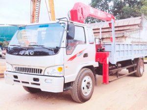 xe tải gắn cẩu Unic 5 tấn JAC HFC1383K1