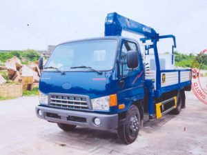 xetải gắn cẩu 3 tấn Tadano trên nền xe tảiMightyHd700 có rổ nâng người làm việc trên cao