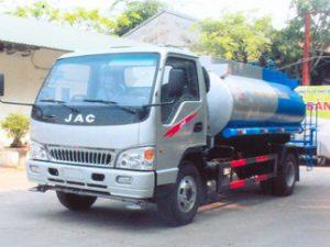 xe phun nước rửa đường JAC HFC1061K3
