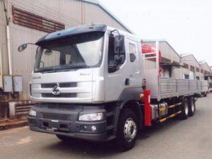 xe tải gắn cẩu Unic 5 tấn Chenglong