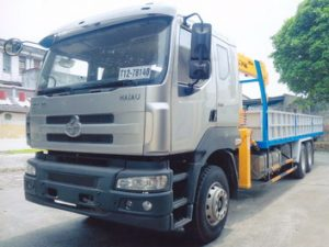 xe tải gắn cẩu Soosan 7 tấn Chenglong