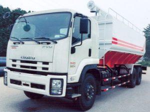 xe chở thức ăn chăn nuôi 23 khối ISUZU FVM34T