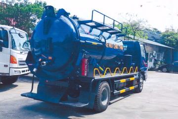 xe hút bùn, hút chất thải 5 khối Jac