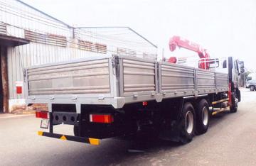 xe tải gắn cẩu 10 tấn Unic CAMC WP10.380E32
