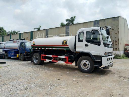 xe phun nước rửa đường isuzu 9 khối