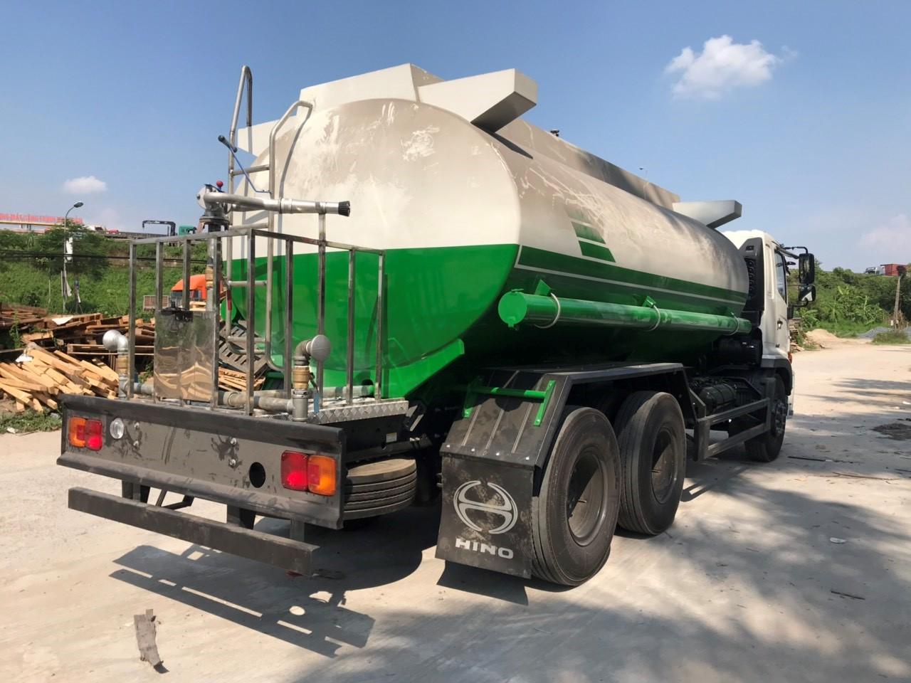 Xe phun nước rửa đường 14 khối Hino FM8JN7A